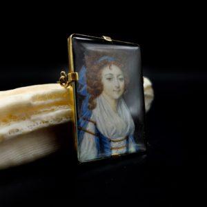 Miniature/broche sur ivoire, signé L.L.Perin, début 20ème siècle