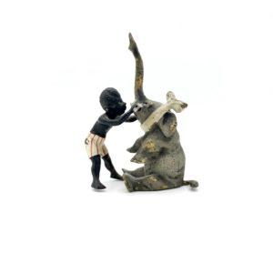 """Bronze de Vienne """"L'enfant et l'éléphant"""" fin 19ème siècle"""