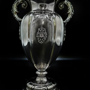 Vase en argent italien de style baroque