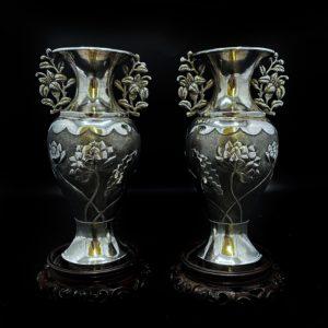 Paire de vase chinois en argent sur socle