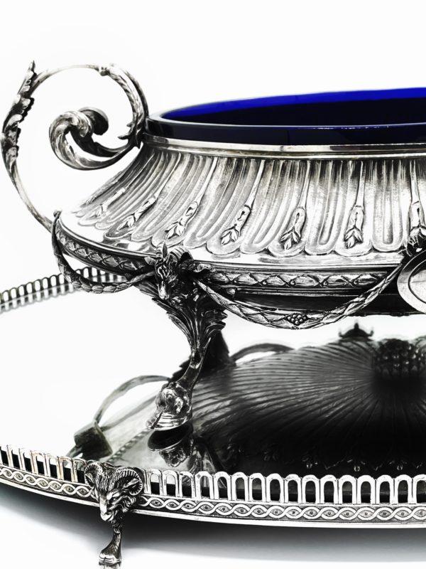Grande jardinière et son miroir rapporté en argent massif belge